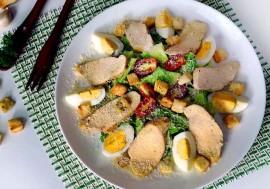 """Готовим вкусный """"Цезарь"""": какие ингредиенты нужны для салата"""