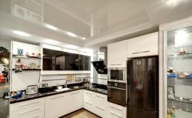 Технология монтажа натяжного потолка на кухне: из каких этапов состоит процесс