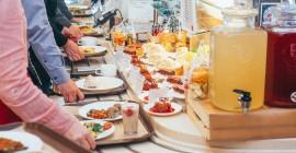Правила организации питания в столовой: каким требованиям оно должно соответствовать
