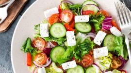 Готовим вкусный и полезный овощной салат: какие ингредиенты использовать