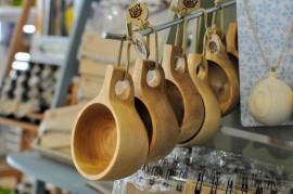 Секреты изготовления интересных сувениров из дерева: что для этого используют